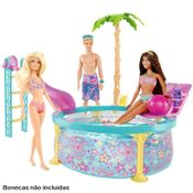 Barbie-Real-Piscina-Ambientada-com-Bonecas-Barbie
