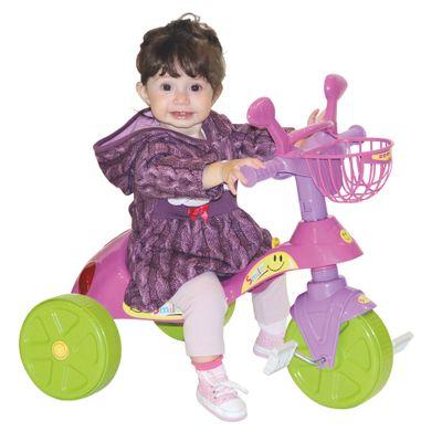 Crianca-com-Triciclo-Smile-Basic-Rosa-Biemme